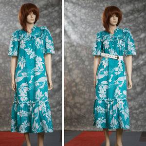 70s Silky Muumuu Sz Small to Med Made in Hawaii